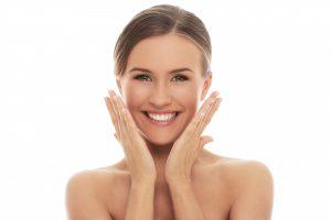 Hilos tensores: solución sin cirugía para rejuvenecer el rostro